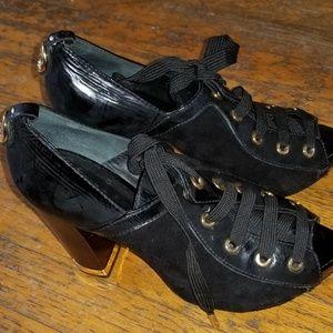 Tory Burch lace up heel